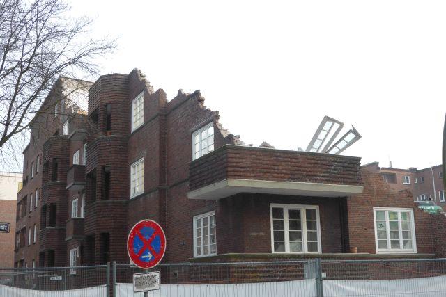 a balkon 1 weg 250315